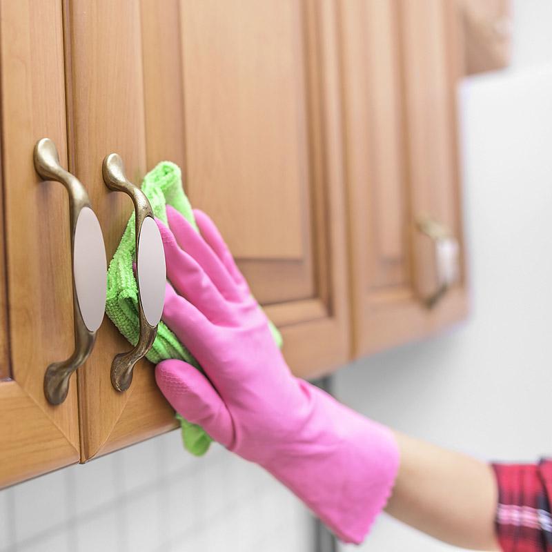 Как почистить кухонные шкафы от пятен фото